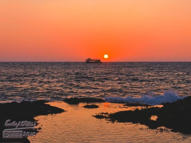 Big Island Sunset - from Casa de Emdeko Seawall, Kona - Hawaii