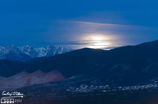 Moonset over the Front Range and Pikes Peak - Click on picture for this and other examples of D7000 shots.