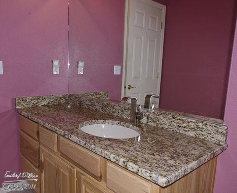 Extra bathroom (Santa Cecilia granite)