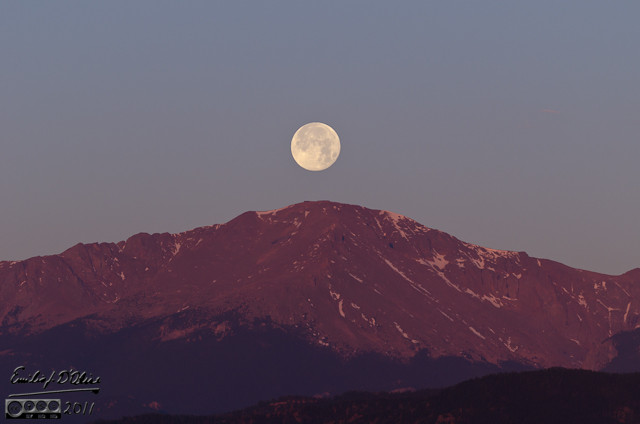 And a few days later I had the pleasure of shooting a sequence of photos showing the full moon setting over Pikes Peak.