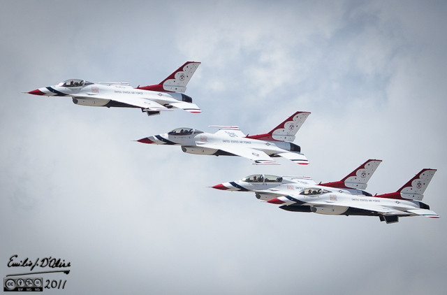 In late may I took a day off to go shoot me some birds . . . Thunderbirds, that is, at the 2011 Air Force Academy graduation ceremony.