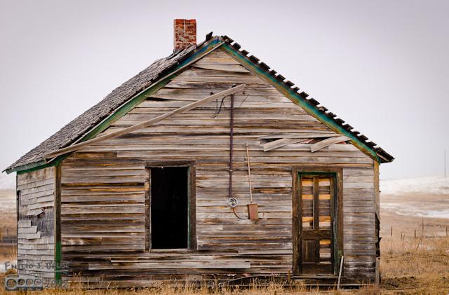 Abandoned house - - I wonder of its history.