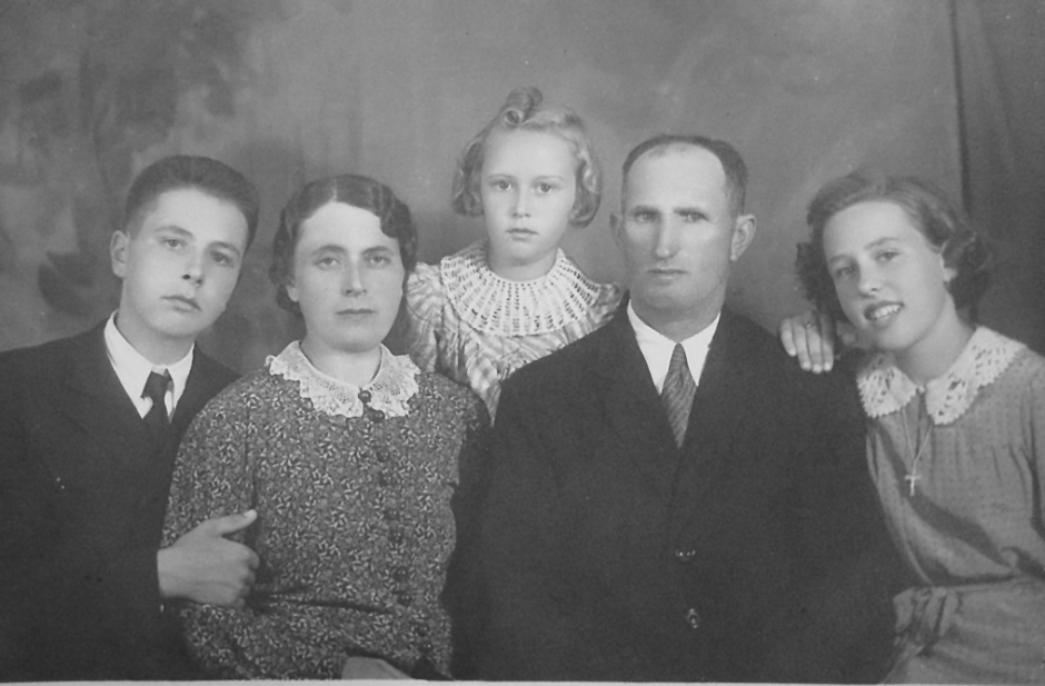 Family_1939