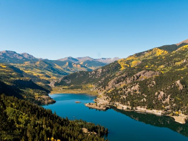 San_Cristobal_Lake_1024x768_1.33-ratio