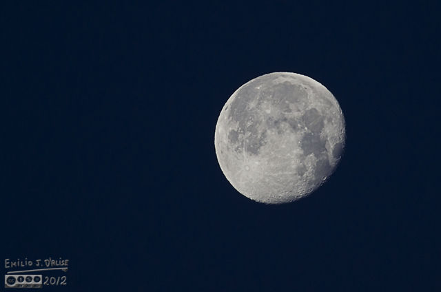 It's been a while since I shot the moon . . . mostly because I'm out of shape.