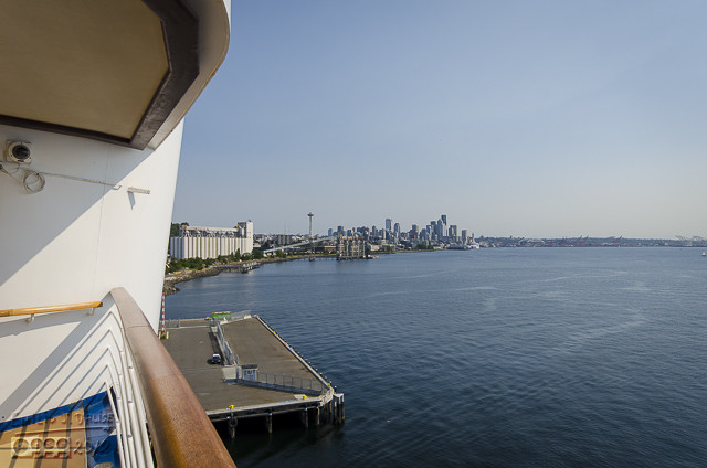 I stepped up to the observation decks, visible in the previous picture on either side of the pool.  Another view of Seattle.