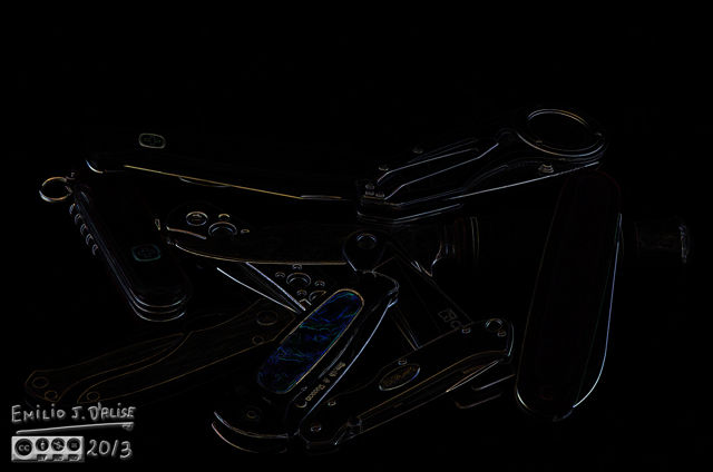 This is using the Topaz Suite to highlight portions of the outlines.
