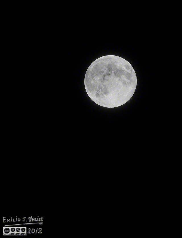 Full moon - Nikon 70-200mm lens - 1:1 crop (approximate)