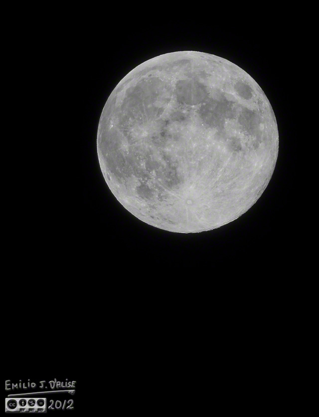 Full moon - Nikon 80-400mm lens 1:1 crop (approximate)