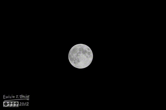 Full moon - Nikon 80-400mm lens