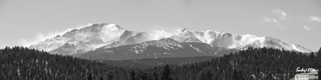 Peak_Panorama_b_n_w_DIGI