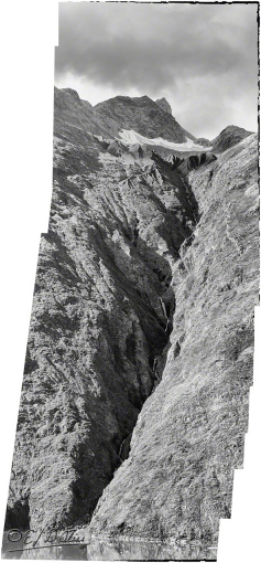 Darker panorama - B&W 2 (more structure)
